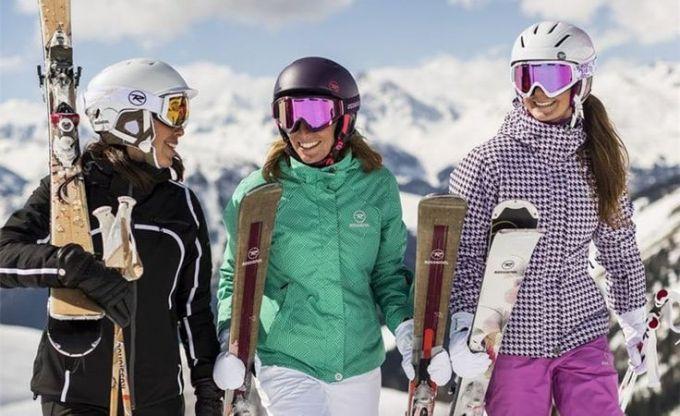 ladies skiing
