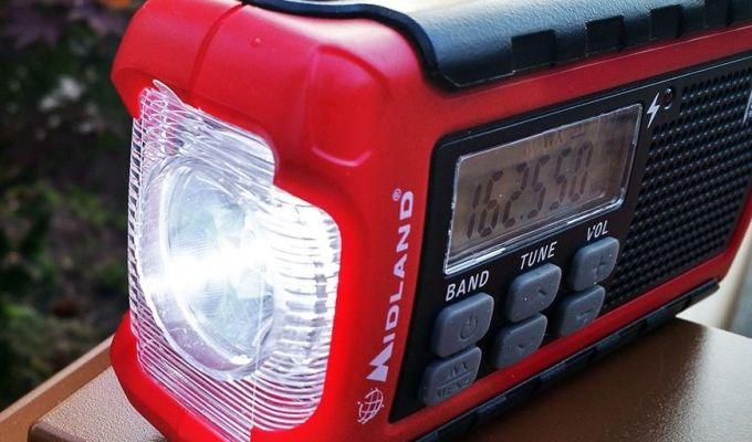 emergency weather radio with flashlight