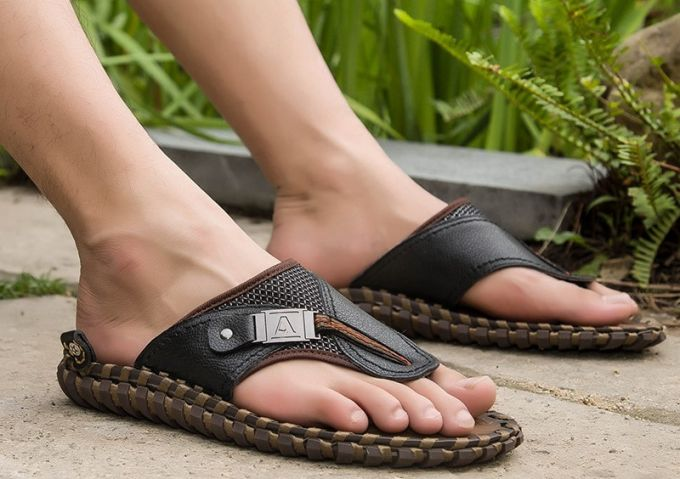 luxury leather flip flop