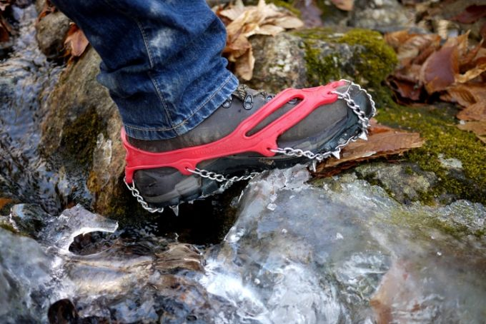 snowshoes for mountain hiking