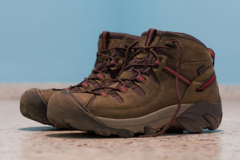 waterproof hiking shoes featured