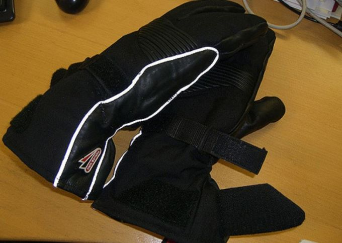 winter gloves on table