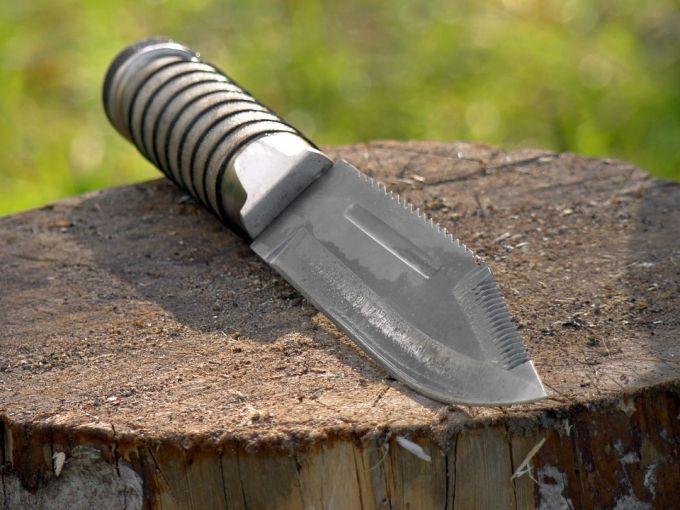 fixed knife