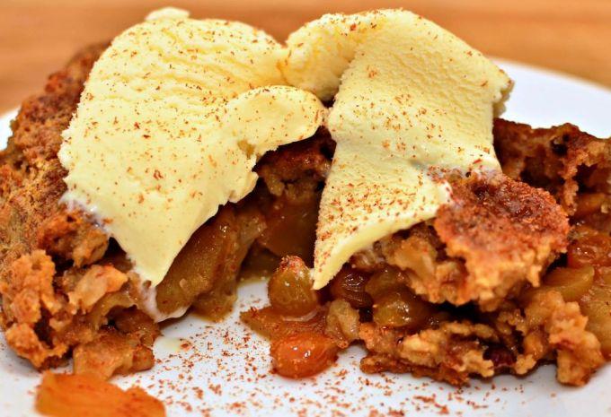 Apple Crisp with Vanila Ice Cream